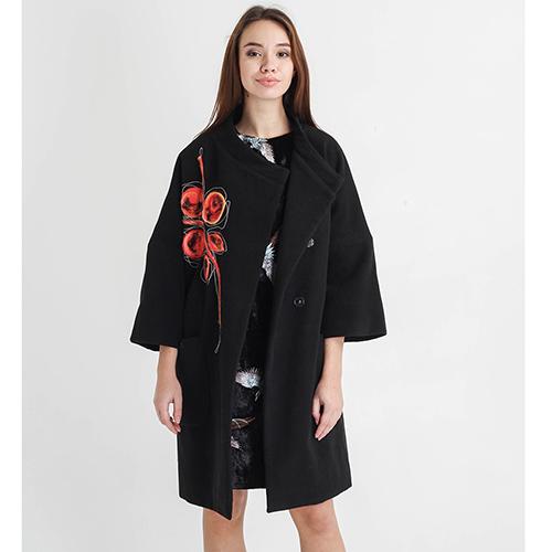 Черное пальто F&emme с красным цветком, фото