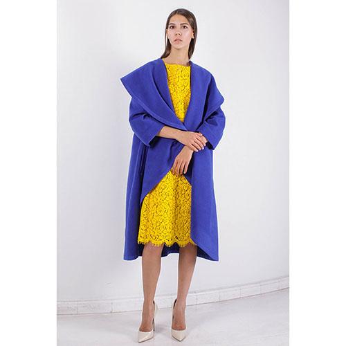 Пальто Plein SUD синего цвета с объемным воротником, фото