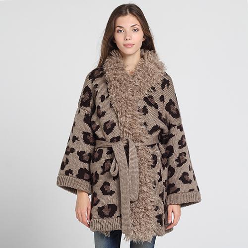Короткое вязаное пальто Nit.ka коричневого цвета, фото