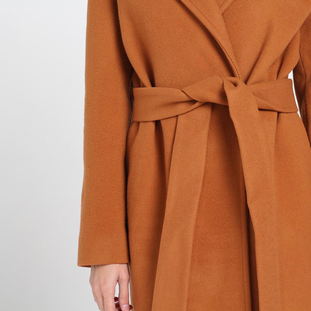 Оранжевое пальто Kristina Mamedova с поясом на запах