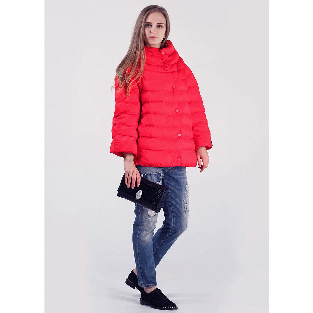 Объемная куртка Rinascimento красного цвета
