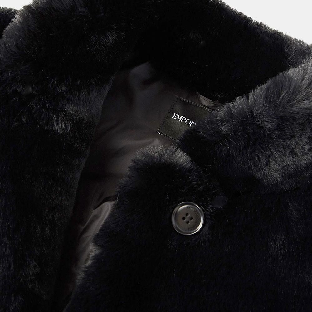 Черная шуба Emporio Armani из экомеха с карманами