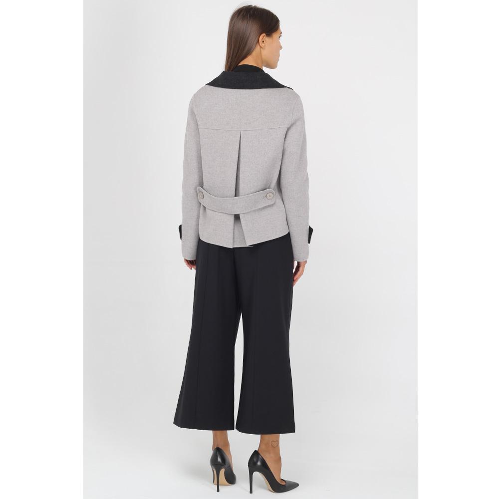 Короткое пальто Emporio Armani серое с черным воротником