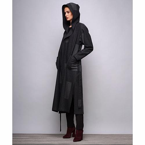 Длинное пальто под пояс Shako серого цвета с геометрическим принтом, фото