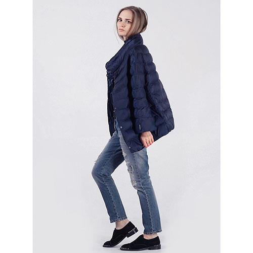 Объемная куртка Rinascimento синего цвета, фото