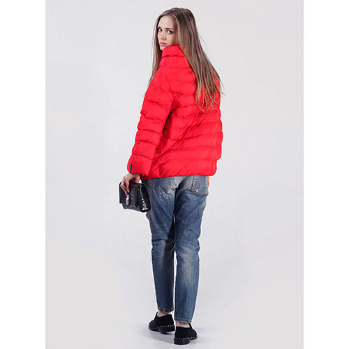 Объемная куртка Rinascimento красного цвета, фото