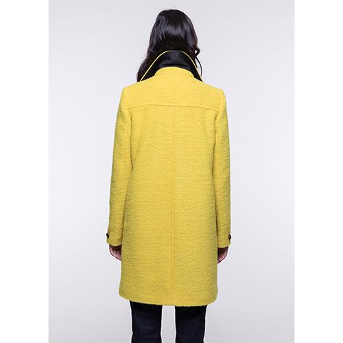 Двубортное пальто Trench & Coat прямого силуэта желтого цвета, фото