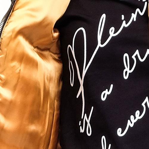 Черная куртка Philipp Plein Skull с черепом из страз на спине, фото