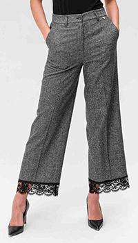 Серые брюки Twin-Set с окантовкой кружевом, фото