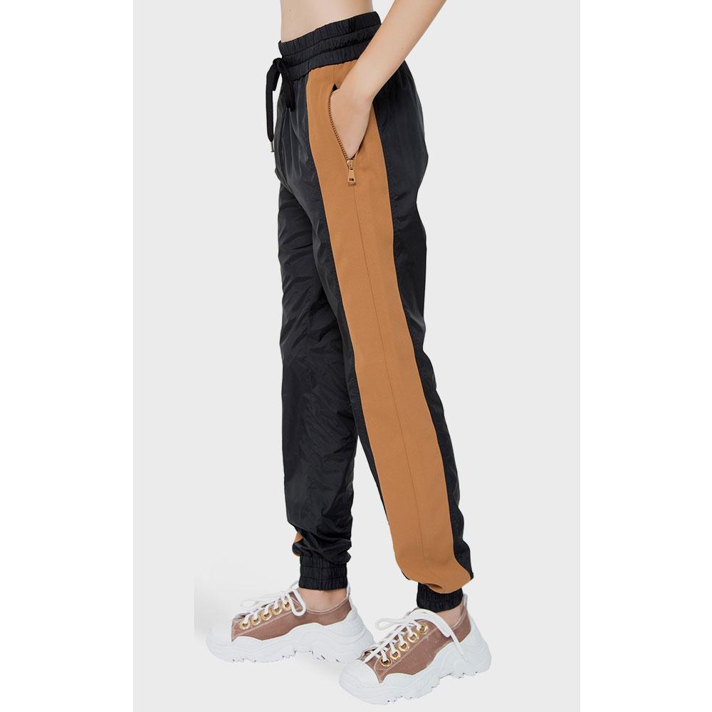 Спортивные брюки N21 с широкими лампасами