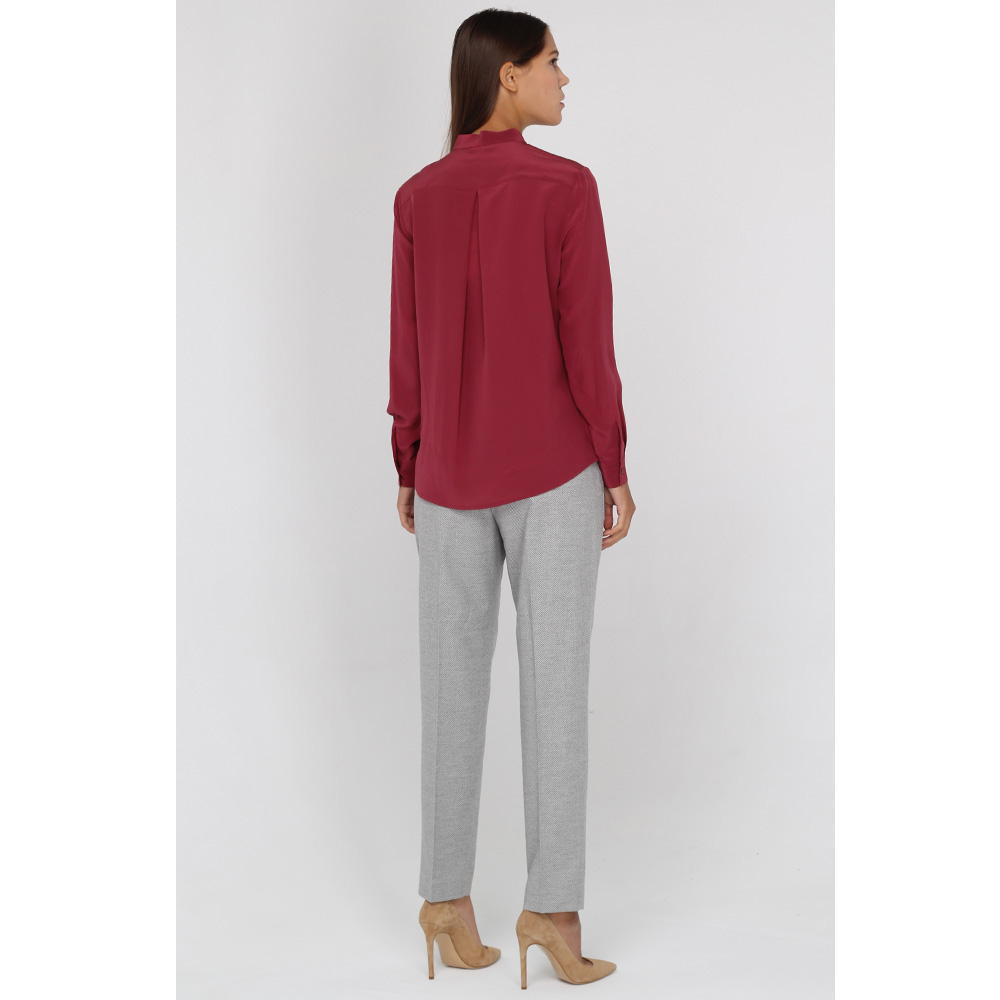 Классические брюки Peserico серого цвета с защипами