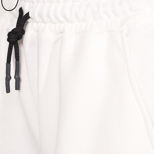 Широкие шорты J.B4 Just Before белого цвета, фото