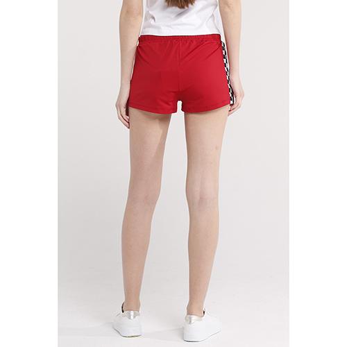Спортивные шорты J.B4 Just Before красного цвета, фото