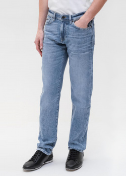 Голубые джинсы Hugo Boss с логотипом на поясе, фото