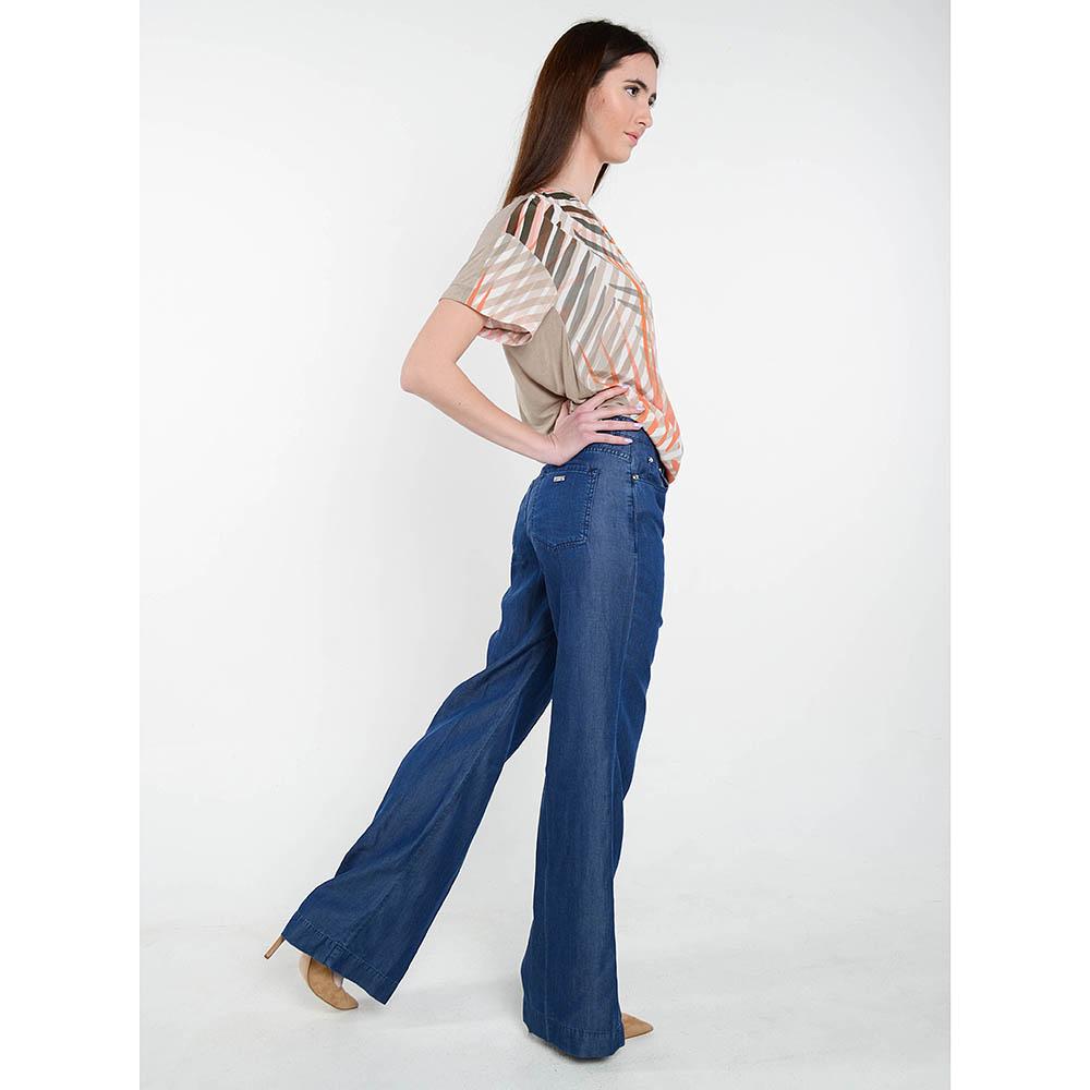 Легкие джинсы клеш Cerruti с высокой талией
