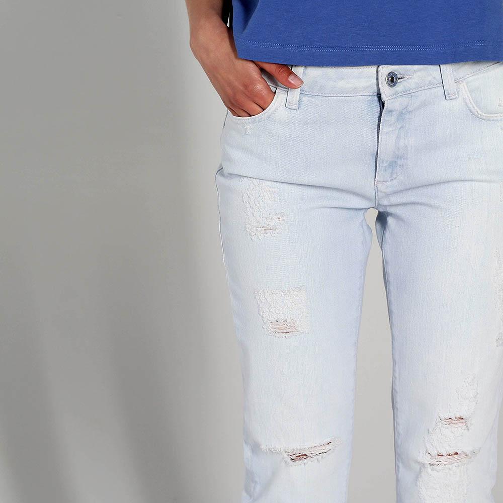 Рваные прямые джинсы Trussardi Jeans голубого цвета