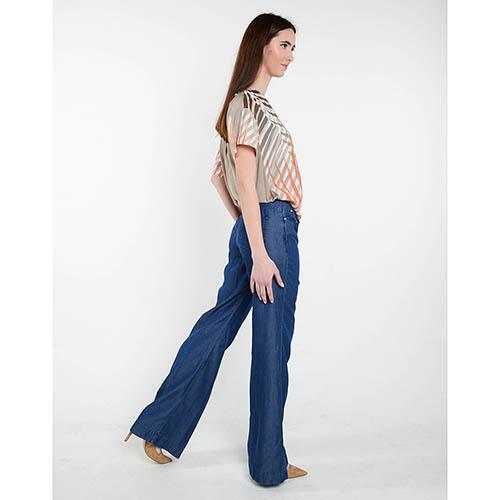 Легкие джинсы клеш Cerruti с высокой талией, фото