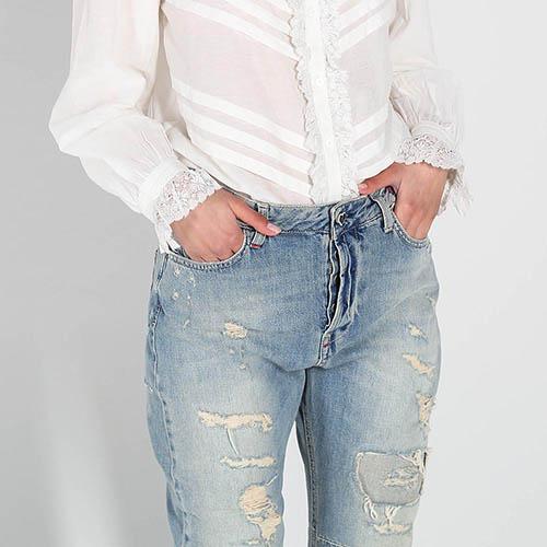 Рваные джинсы-бойфренды Twin-Set голубого цвета, фото