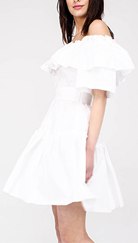 Белое платье Philipp Plein с воланами и открытыми плечами, фото