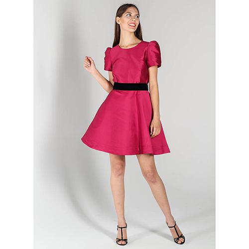 Платье-беби долл P.A.R.O.S.H. цвета фуксии с черным поясом, фото