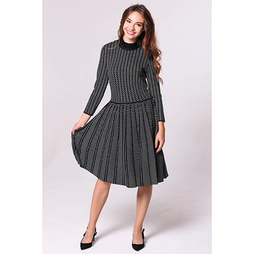 Черное платье Emporio Armani с геометрическим орнаментом, фото