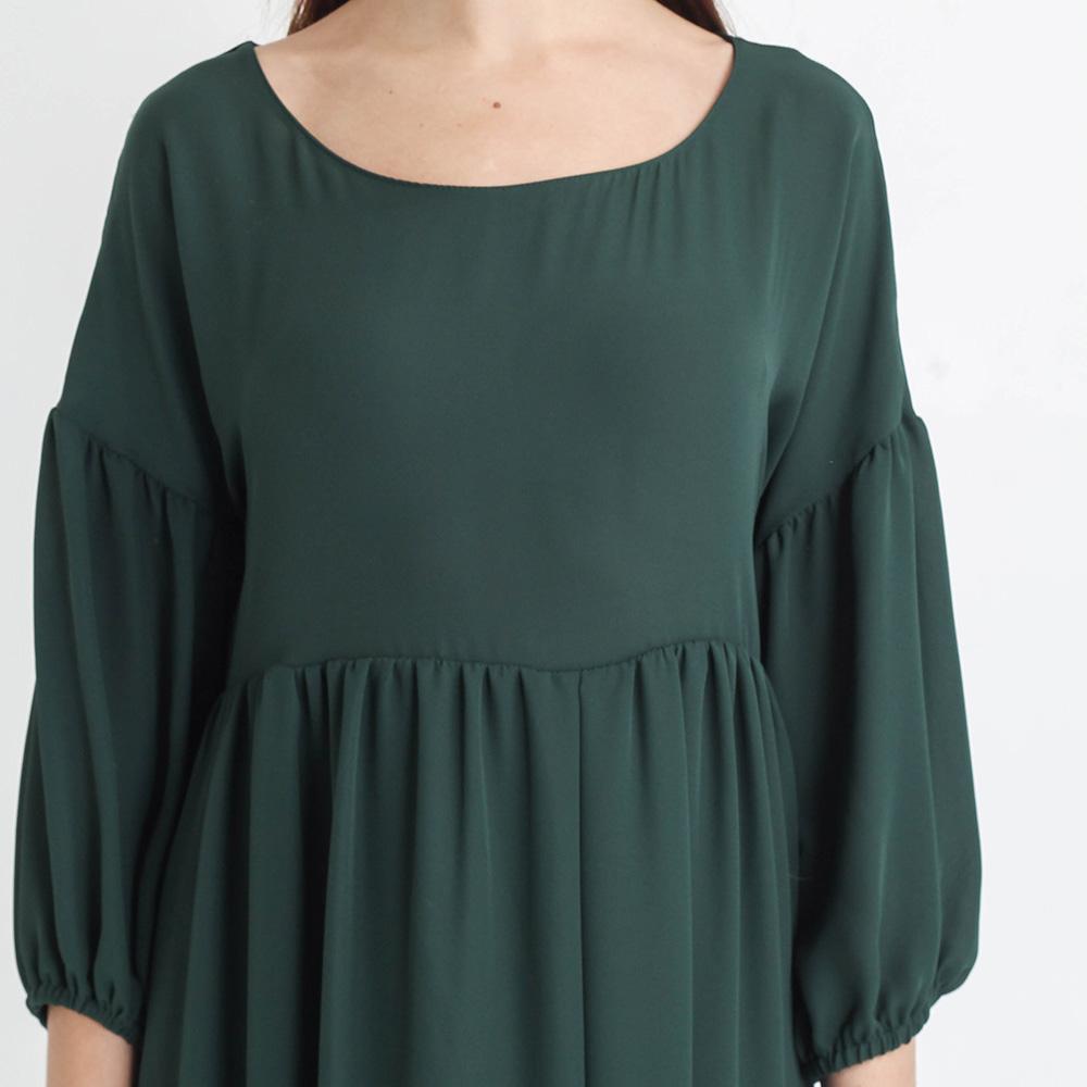 Платье Tensione in с юбкой-клеш зеленого цвета