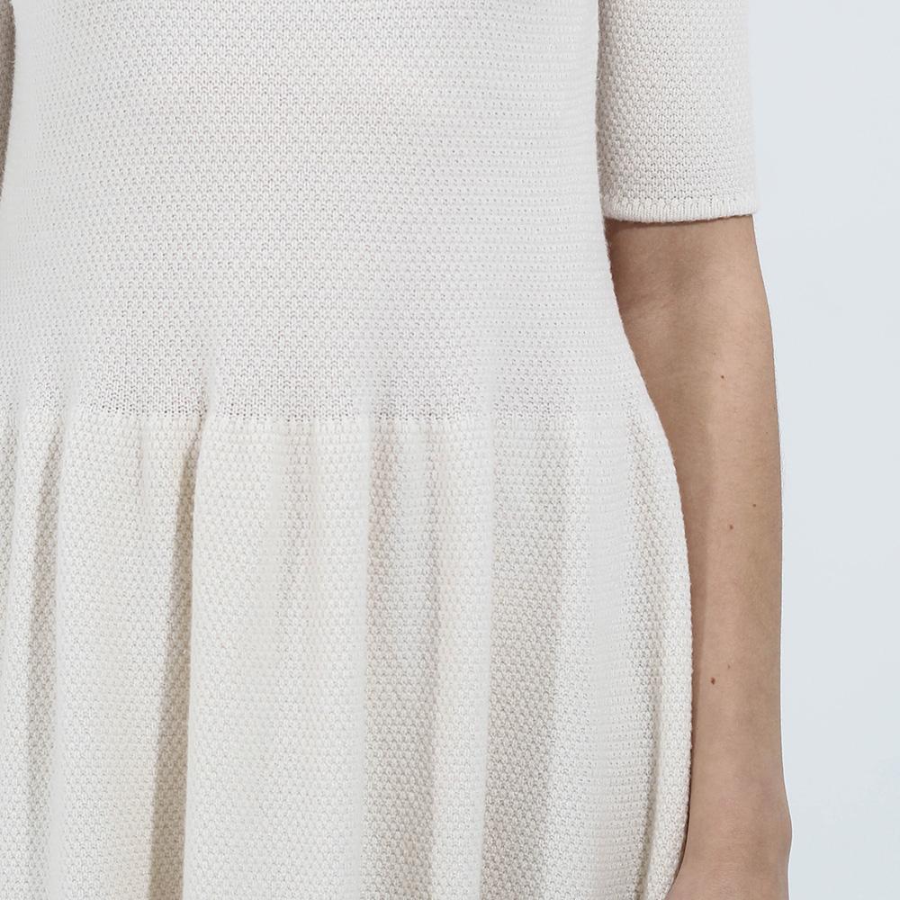Трикотажное платье Tensione in бежевого цвета