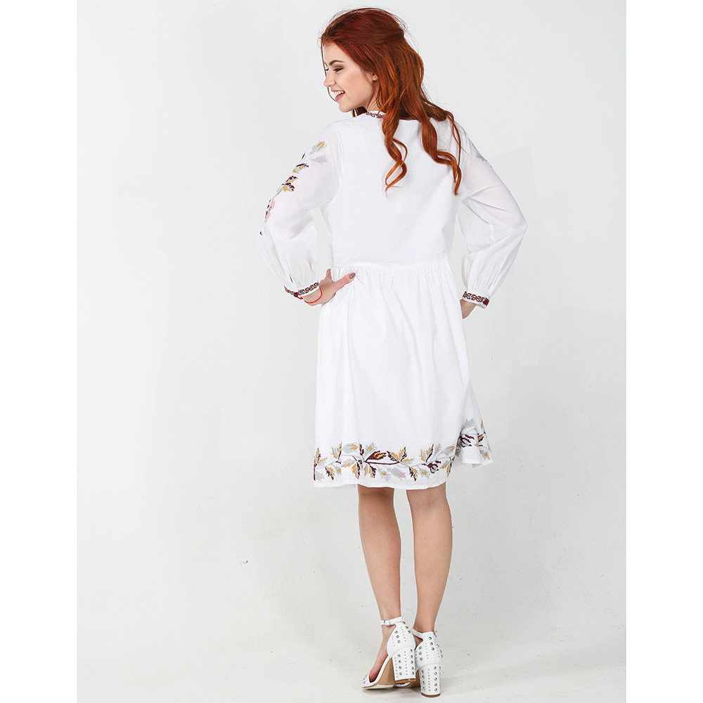 Белое платье Emma&Gaia с пышной юбкой