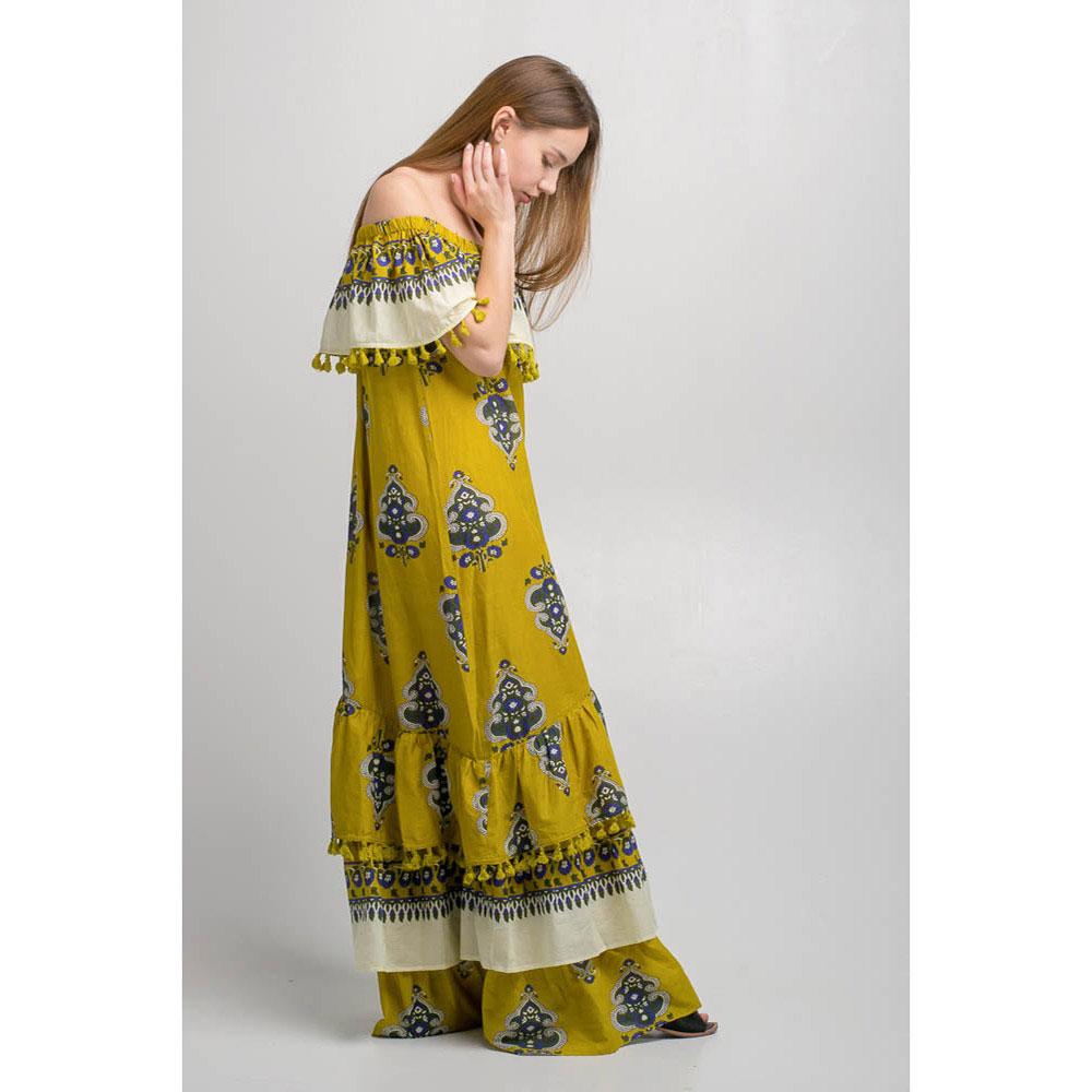 Длинное платье Emma&Gaia с открытыми плечами