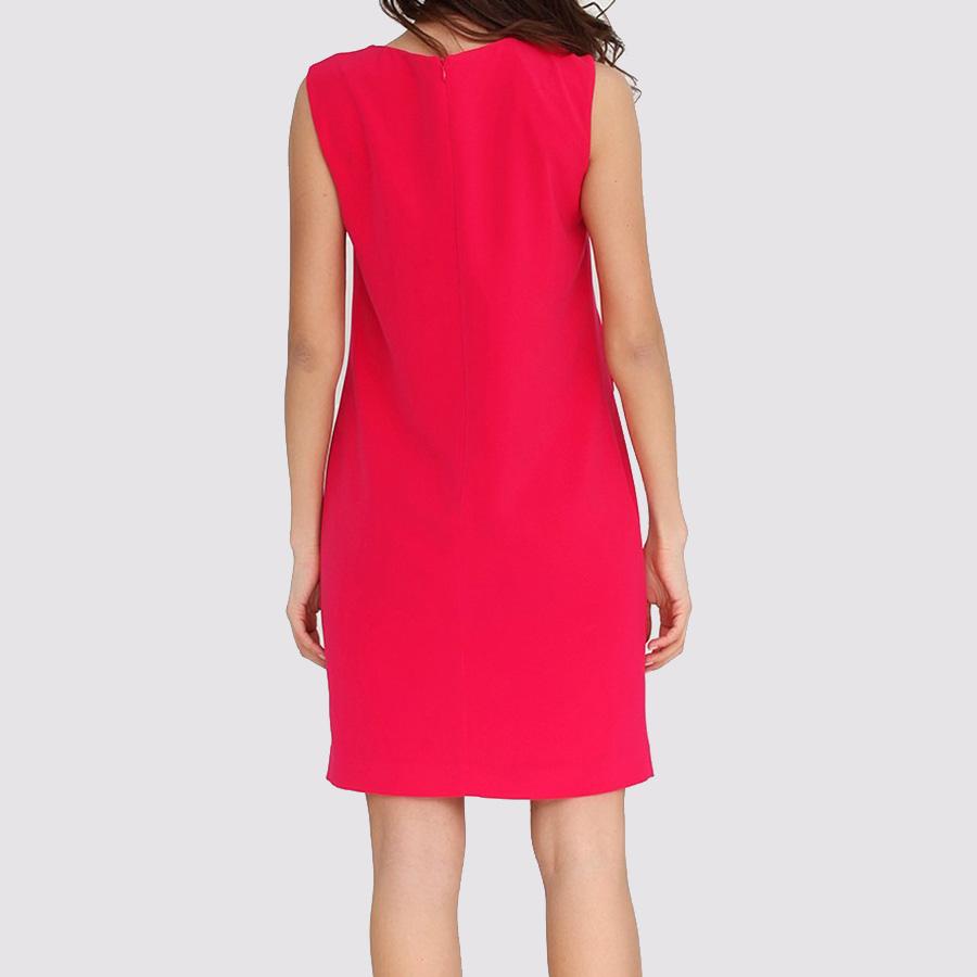 Малиновое платье Boutique Moschino с декором-пуговицами