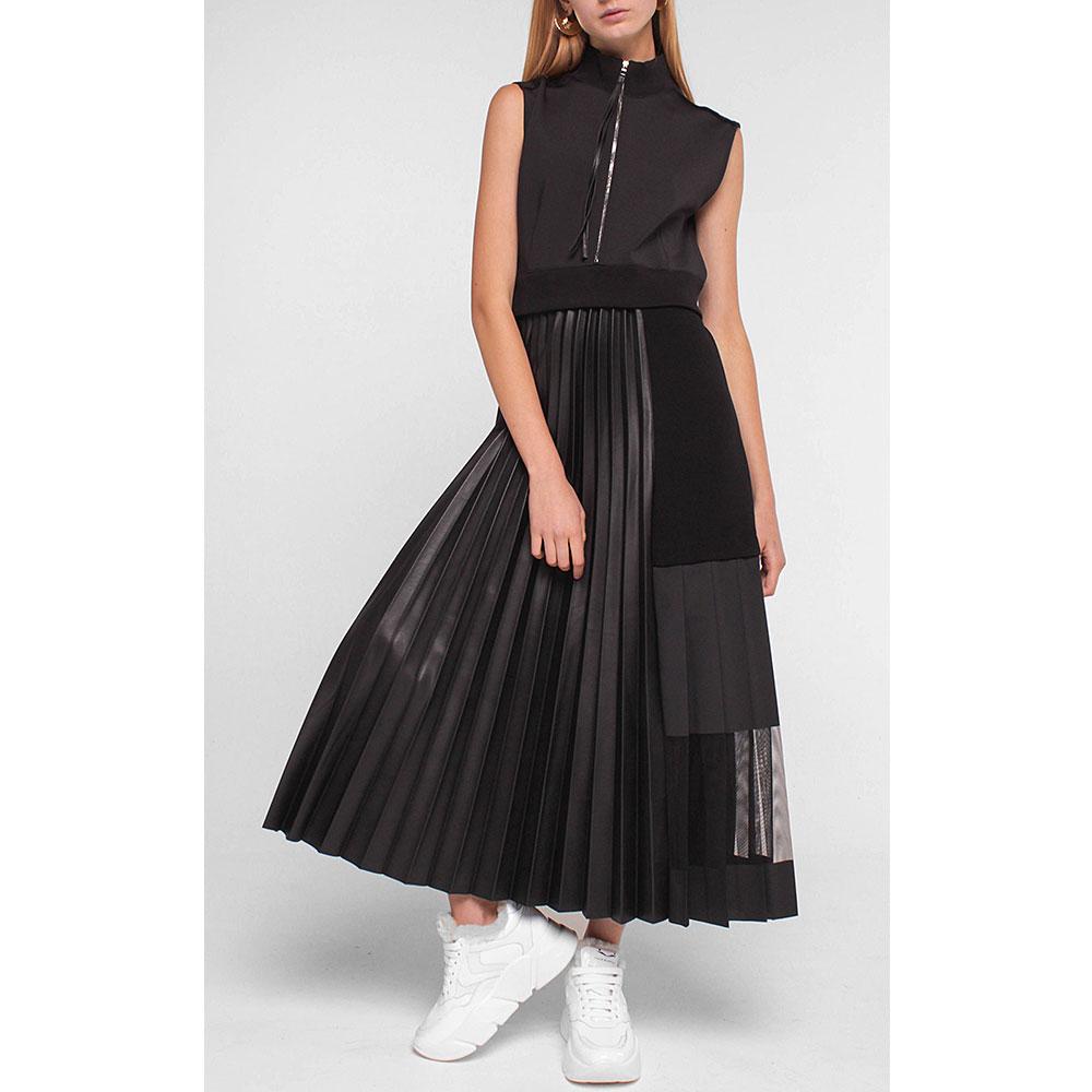 Черное платье Dorothee Schumacher с плиссированной юбкой