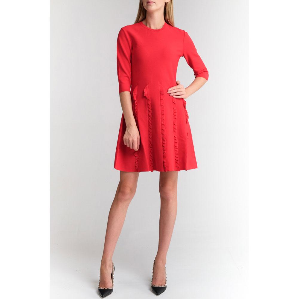 Красное платье Valentino с оборками