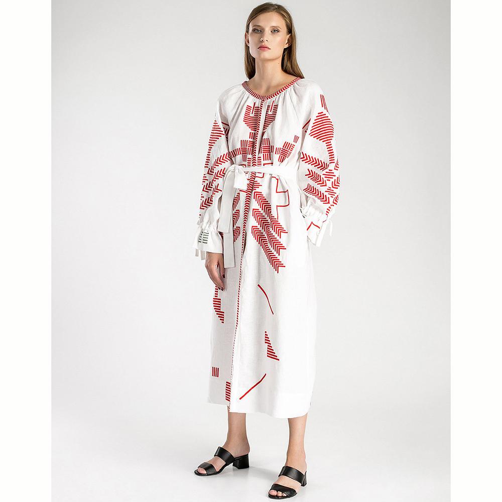 Белое платье Etnodim Borodina с геометрической вышивкой