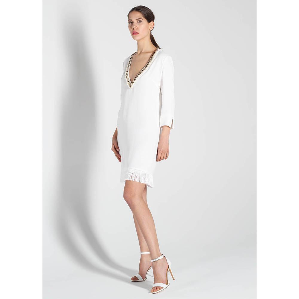 Платье Elisabetta Franchi белого цвета с глубоким вырезом и бахромой