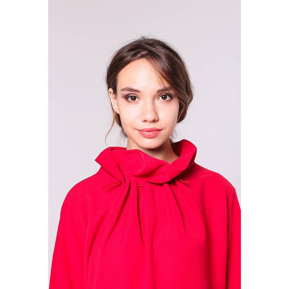 Платье Emporio Armani красного цвета с поясом