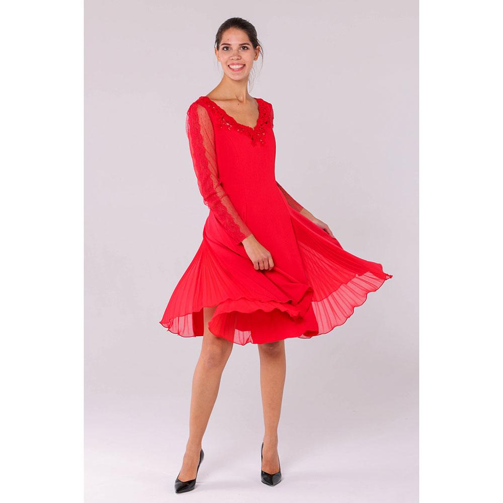 Красное платье Ermanno Scervino с пышной юбкой из струящейся ткани