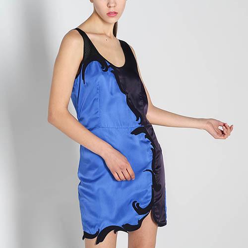 Платье Stella McCartney синего цвета с черной аппликацией, фото