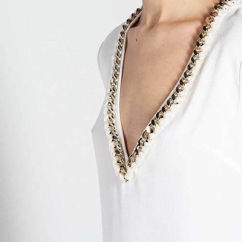 Платье Elisabetta Franchi белого цвета с глубоким вырезом и бахромой, фото