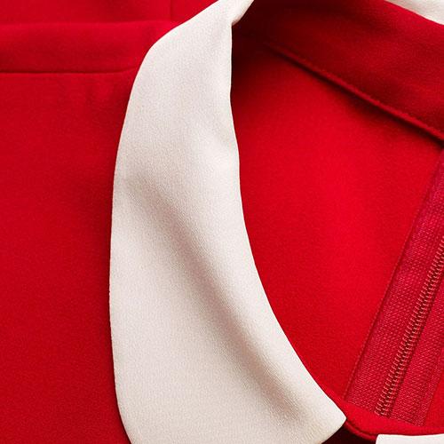 Красное платье Red Valentino с лентами на воротнике, фото