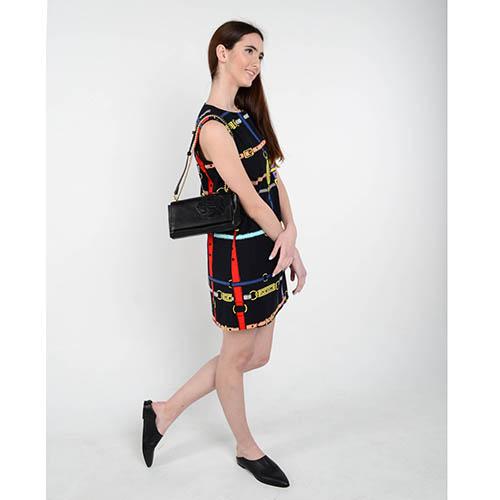 Черное платье-трапеция Love Moschino с рисунком в виде ремешков, фото