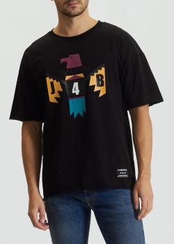 Черная хлопковая футболка J.B4 Just Before с принтом, фото