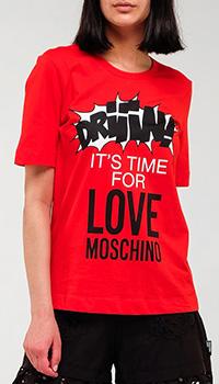 Красная футболка Love Moschino с брендовым принтом, фото
