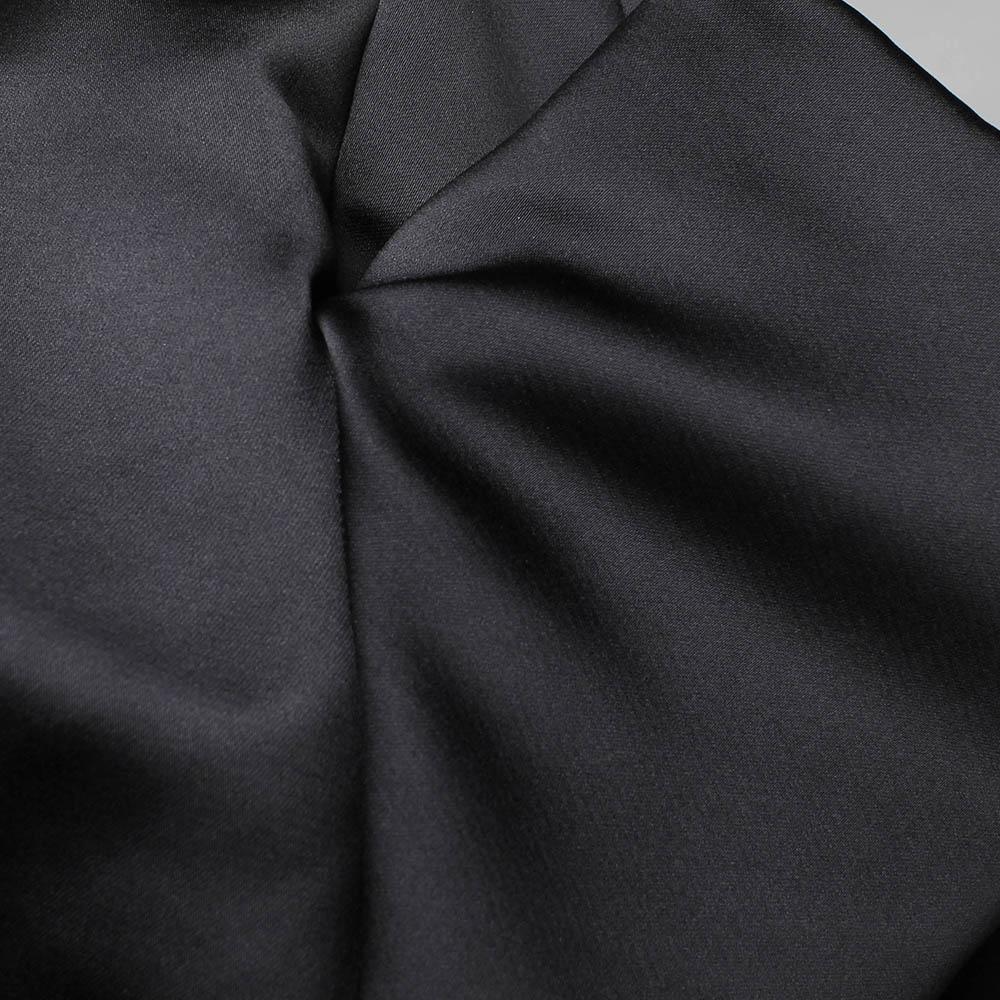 Черный топ Alexander McQueen с атласным блеском