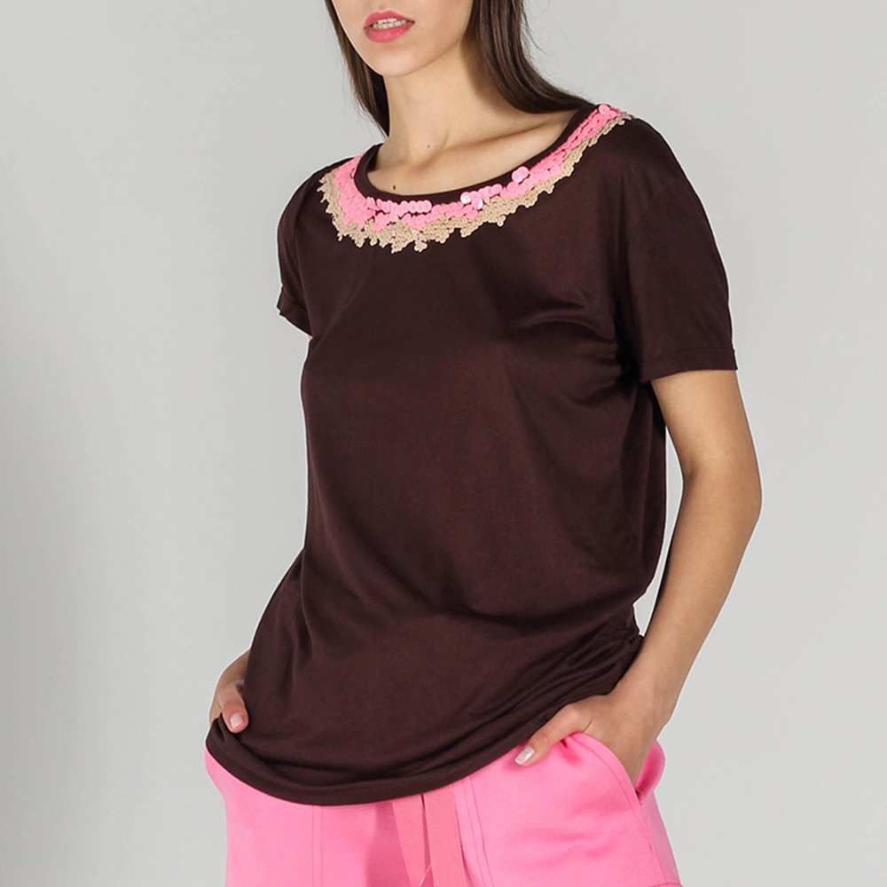 Коричневая футболка P.A.R.O.S.H. с розовыми пайетками