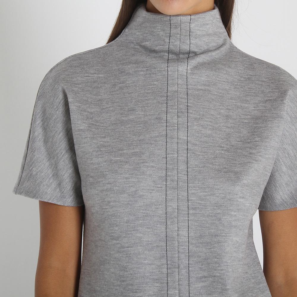 Шерстяной топ Maison Margiela серого цвета с коротким рукавом