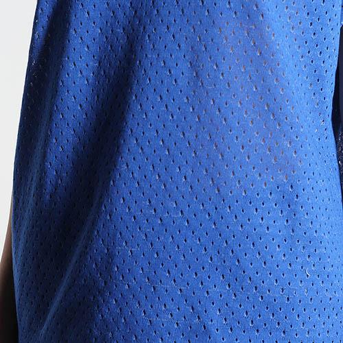 Футболка Kristina Mamedova синего цвета с перфорацией, фото
