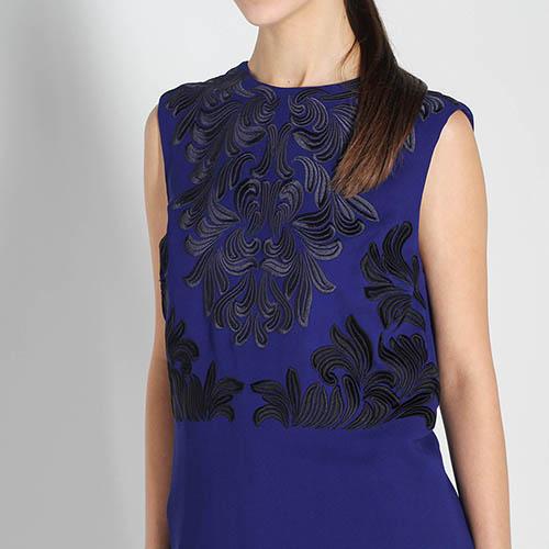 Синий топ Stella McCartney с черной вышивкой, фото