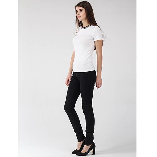 Белая футболка Peserico с черным кантом на горловине, фото