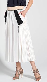 Шелковая юбка-миди Chloe белого цвета с плиссированными вставками, фото