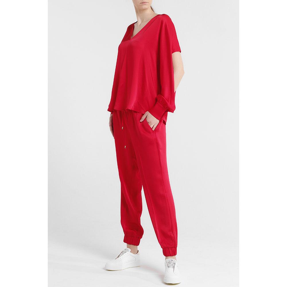 Красный костюм Twin-Set с разрезами на рукавах